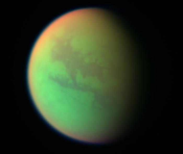 Титан. Фото NASA