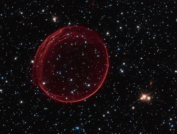 Расширяющейся оболочка сверхновой SNR 0509-67.5. Фото NASA, ESA, and the Hubble Heritage Team (STScI/AURA)