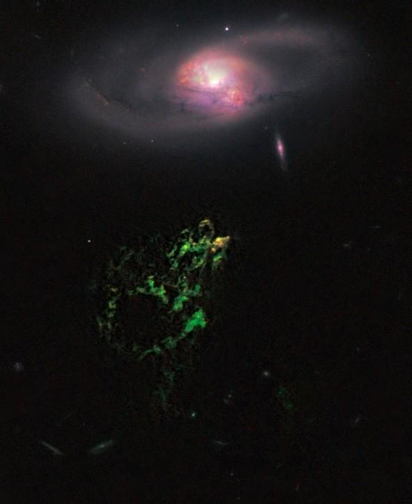 Квазар в галактике IC 2497 и вспышка звездообразования в объекте Hanny's Voorwerp