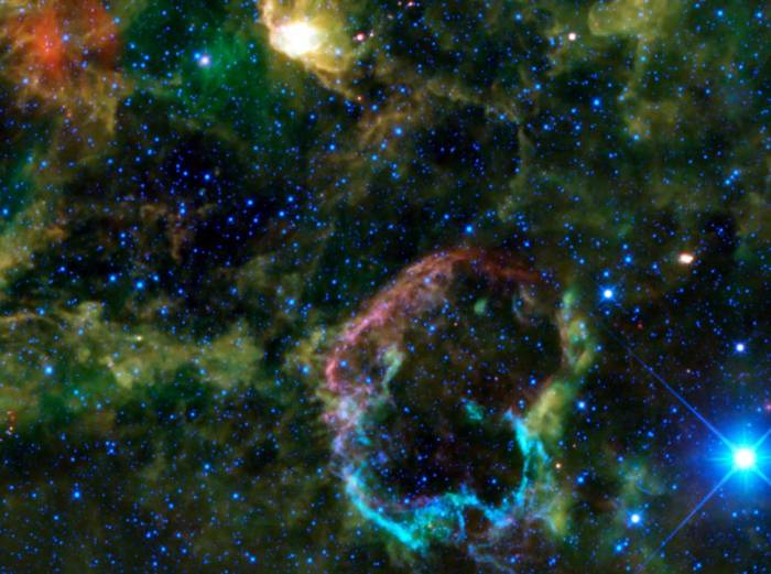Остаток сверхновой IC 443