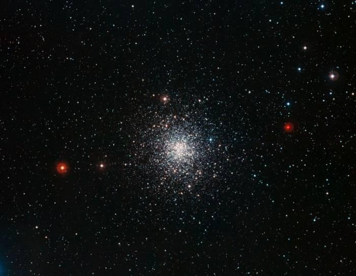 Шаровое скопление М 107. Фото ESO