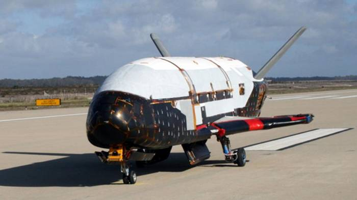 Беспилотный аппарат X-37B.