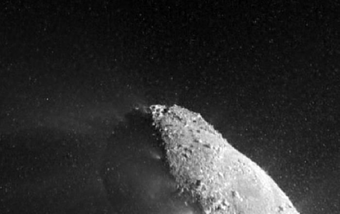 Ядро кометы Хартли-2. Фото NASA/JPL-Caltech/UMD