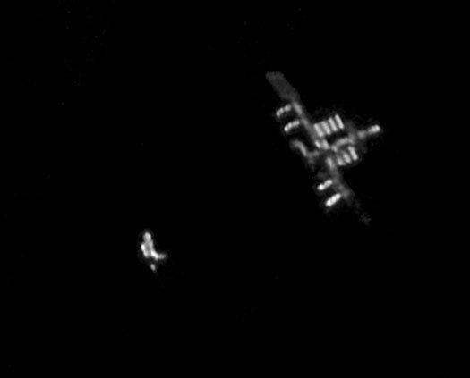 МКС и шаттл Дискавери. Фото Rob Bullen