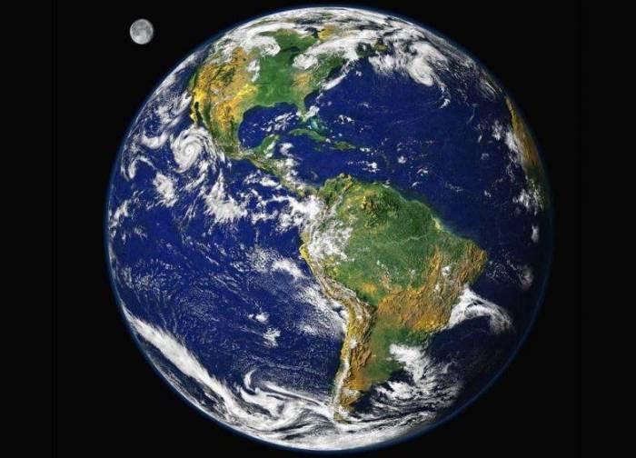 Земля. В скором будущем ученые все же найдут планету, которая будет похожа на нашу планету. Фото NASA