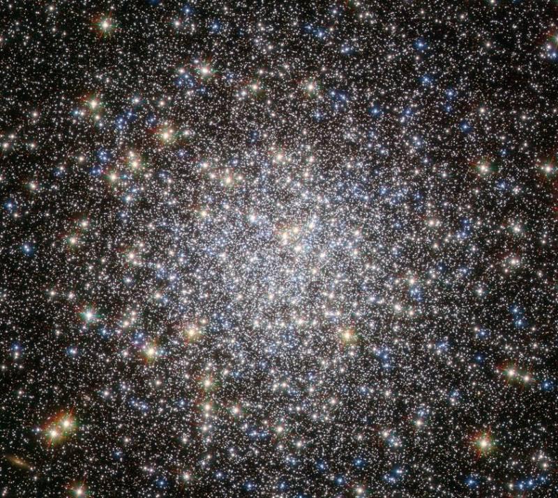 Шаровое скопления М5. Фото ESA/Hubble & NASA