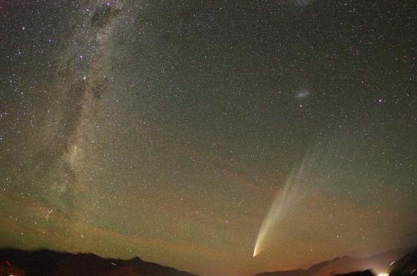 Комета McNaught (C/2006 P1) Фото Minoru Yoneto