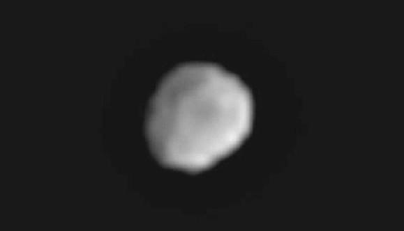 Астероид Веста с расстояния 438 тысяч километров глазами камер Dawn. Фото NASA/JPL-Caltech/UCLA/MPS/DLR/IDA