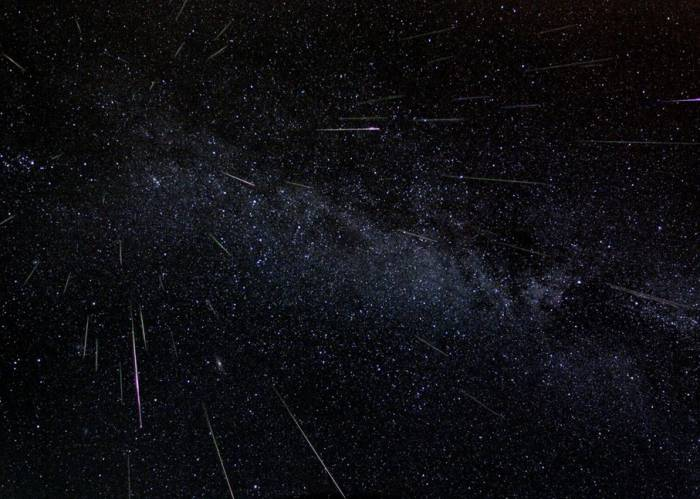 Метеорный поток Персеид. Фото Astronomy Picture of the Day