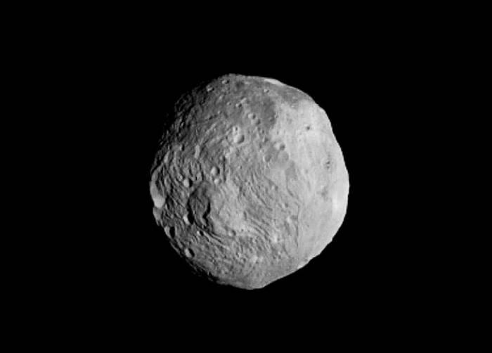 Представленный снимок Dawn выполнил с расстояния в 41 тысяч километров 9 июля 2011 года. Фото NASA/JPL-Caltech/UCLA/MPS/DLR/IDA, enhancements by Stu Atkinson