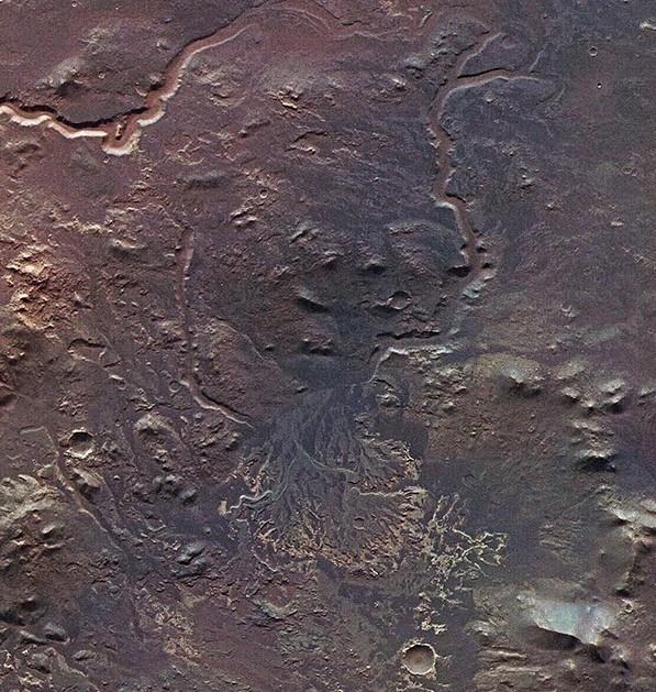 Увеличенное изображение древней марсианской дельты у Эберсвальда. Фото ESA/DLR/FU Berlin