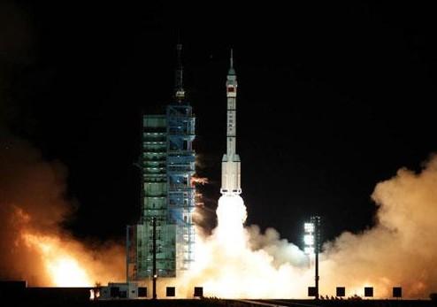 Китай осуществил запуск беспилотного космического корабля «Шэнчжоу-8»