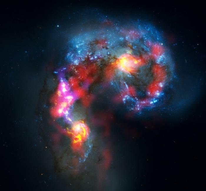 Объединенное изображение по данным наблюдений радиотелескопа ALMA и космического телескопа Хаббл. Фото ALMA (ESO/NAOJ/NRAO). Visible light image: the NASA/ESA Hubble Space Telescope