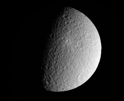 Рея. Фото NASA/JPL-Caltech/Space Science Institute