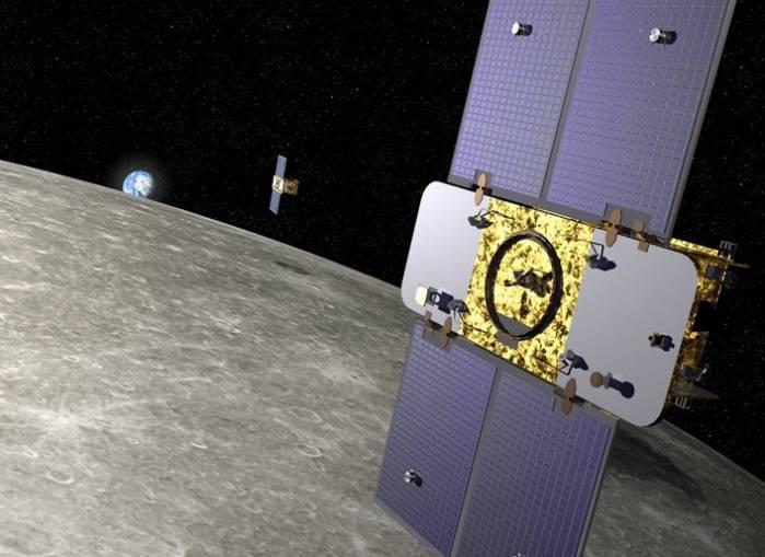 Аппараты GRAIL-A и GRAIL-B на орбите Луны. Иллюстрация Lockheed Martin