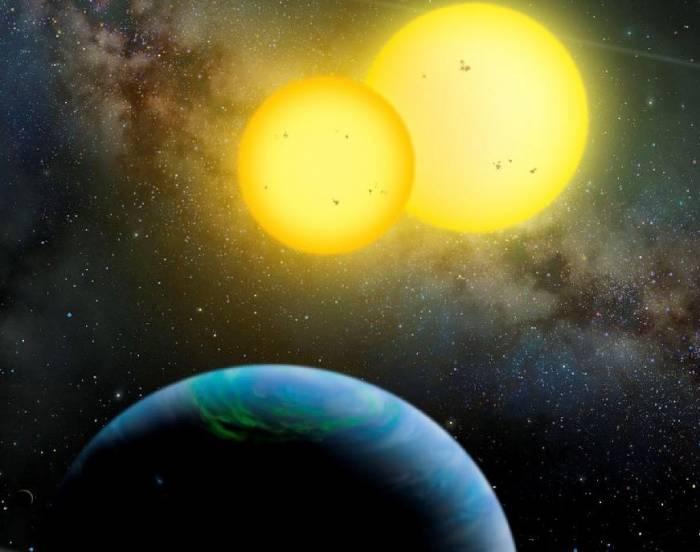 Система Kepler-35 глазами художника. Иллюстрация Lynette Cook / extrasolar.spaceart.org / Nature