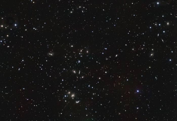 Галактическое скопление Abell 2151. Фото ESO/INAF-VST/OmegaCAM. Acknowledgement: OmegaCen/Astro-WISE/Kapteyn Institute