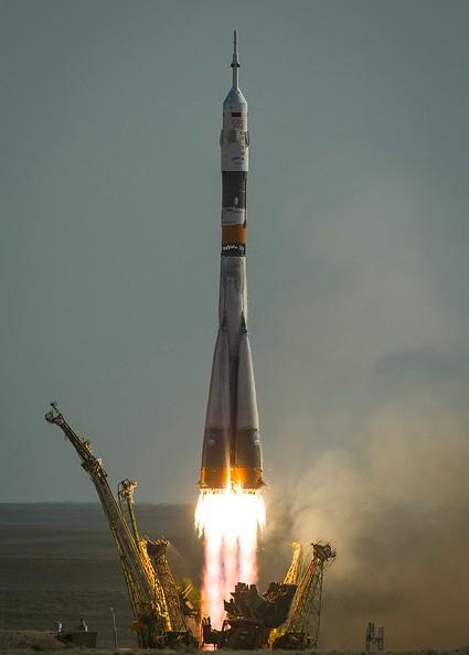 Старт «Союз-ФГ» с кораблем «Союз ТМА-04М»