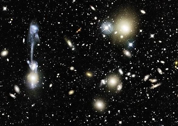 Взаимодействие галактик. Право, чем то напоминает гитару.