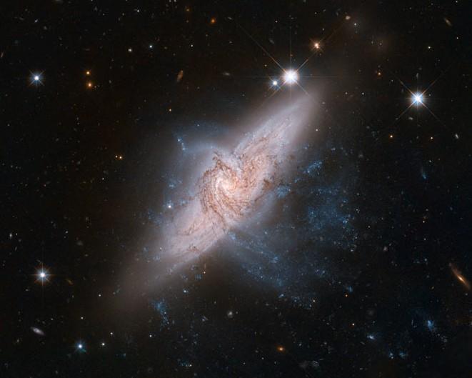 Пара перекрывающихся галактик NGC 3314.
