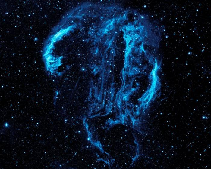 Туманность Вуаль в ультрафиолетовом диапазоне.