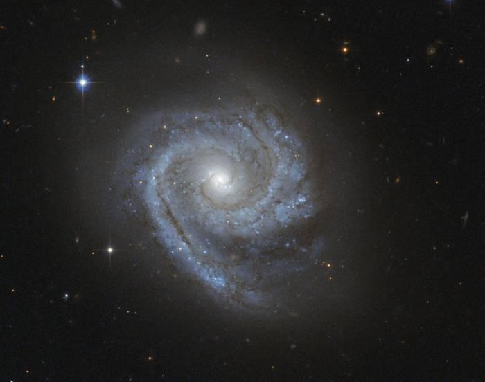Спиральная галактика ESO 498-G5