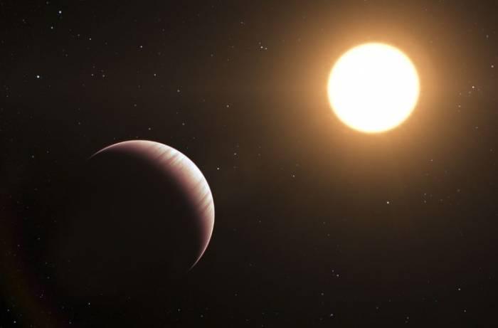 Экзопланета Тау Волопаса b глазами художника.