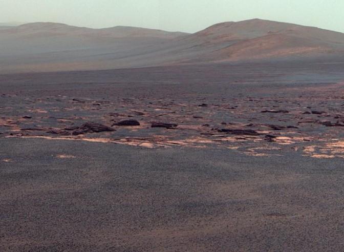 Западный склон кратера Эндевор.