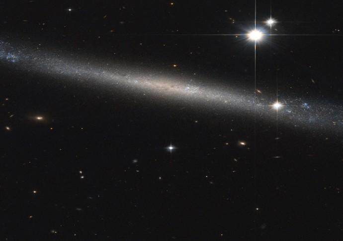 Галактика IC 2233.