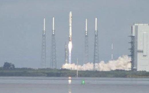 Ракета-носитель Atlas 5 с беспилотным аппаратом X-37B.
