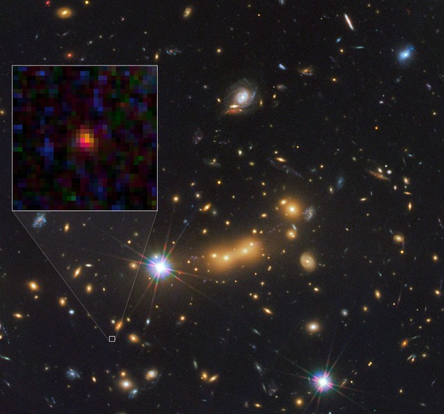 В квадрате галактика MACS0647-JD.