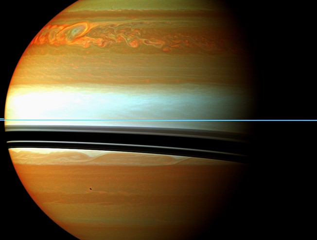 Шторм на Сатурне.