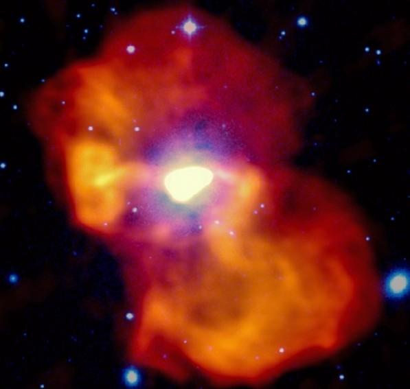 Гигантский газовый пузырь галактики М87 в радиодиапазоне намного превосходит саму галактику