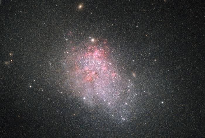 Галактика NGC 3738.