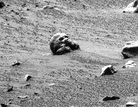 Призраки марсианского кладбища (4 фото)