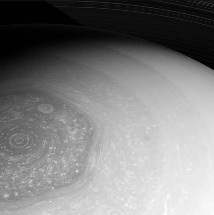 Шестиугольник на Сатурне. Снимок сделан 26 февраля 2013 года.