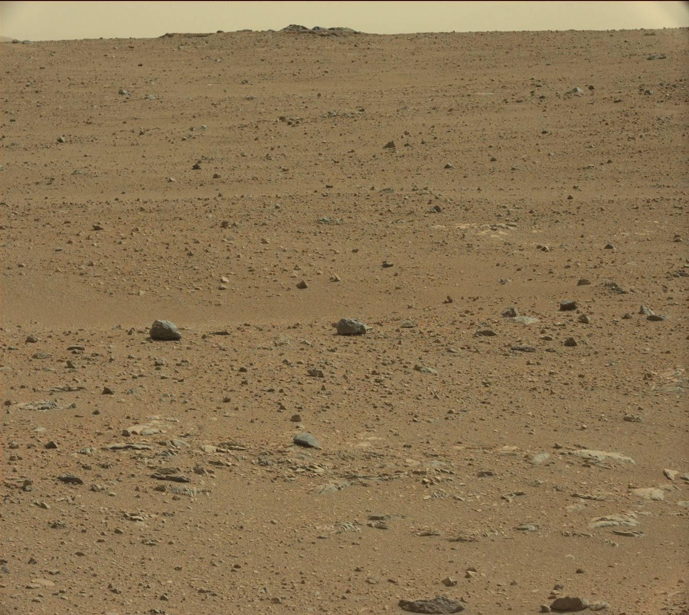 Фотография сделанная марсоходом 21