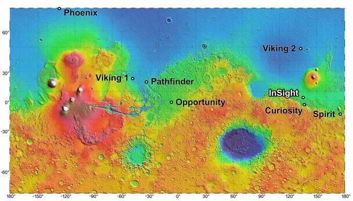 Карта показывает высоты ландшафта Марса, а так же места нахождения других аппаратов на поверхности планеты.