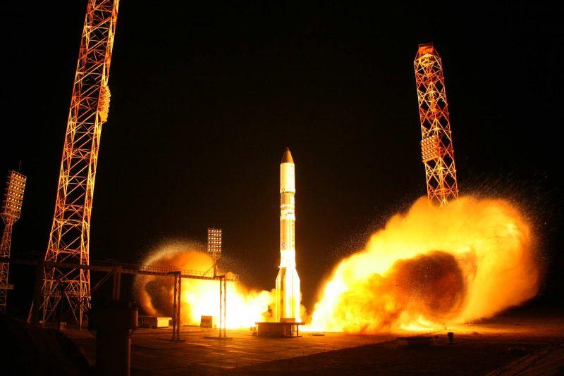 На 16 мая запланирован пуск ракеты-носителя Протон-М с российским спутником связи CVAVR AVR CodeVision cvavr.ru