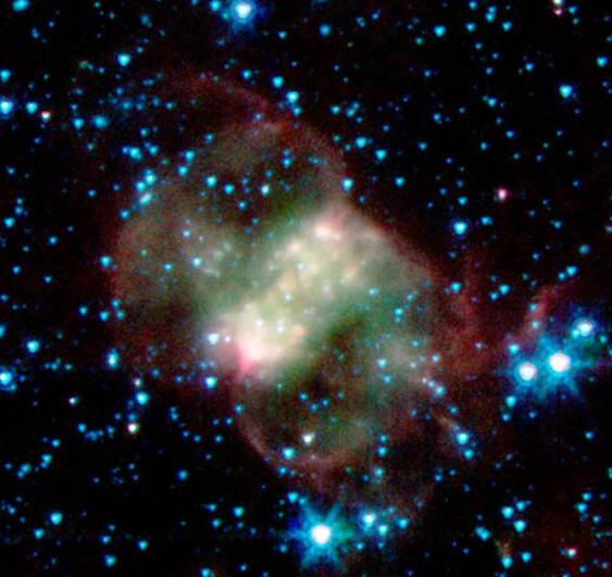 Туманность M76 (NGC 650/651) или туманность Маленькая Гантель.