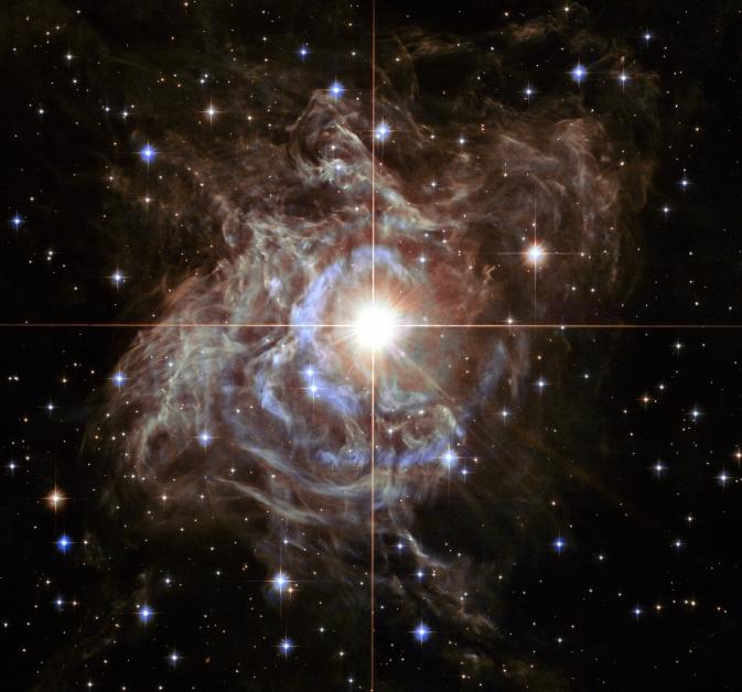 Образ яркой звезды Южного полушария RS Кормы.