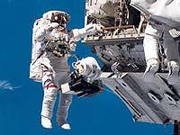 Прилетевшие на МКС астронавты выйдут в открытый космос