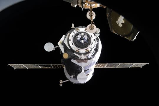Грузовой космический корабль Прогресс М-21М пристыковался к МКС CVAVR AVR CodeVision cvavr.ru