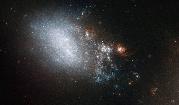 Неправильная галактика NGC 4485.