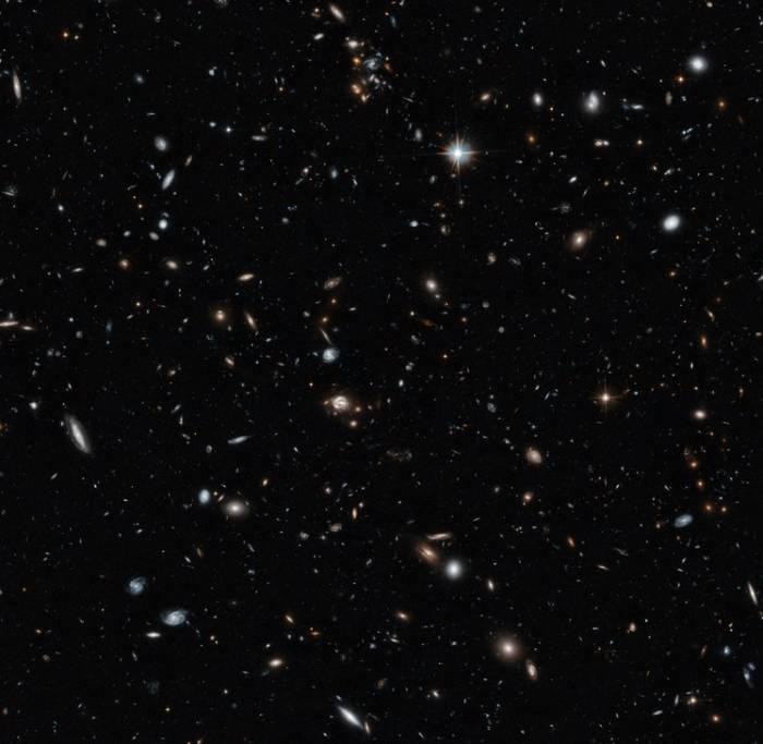 «Космический зоопарк» от телескопа Хаббл.