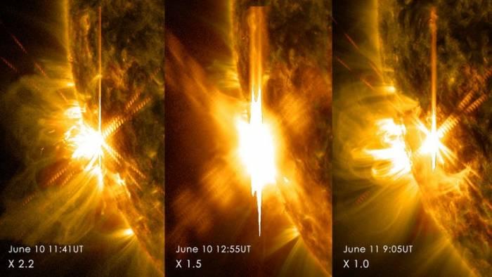 Три вспышки на Солнце.