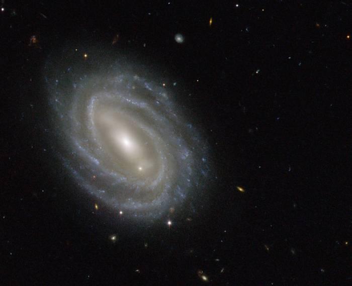 Спиральная галактика PGC 54493.