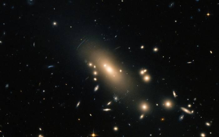 Скопление галактик Abell 1413.