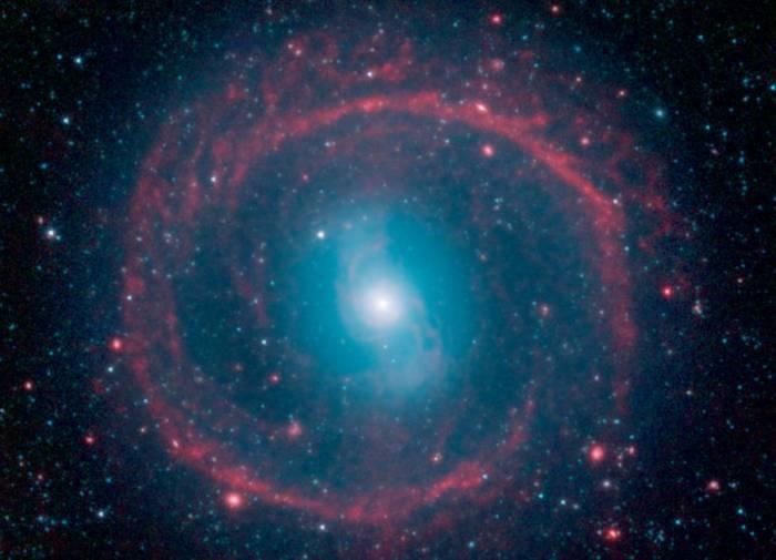 Галактика NGC 1291 глазами космического телескопа Спитцер.