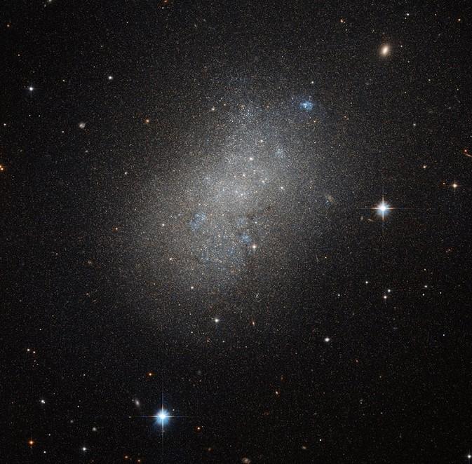 Карликовая галактика NGC 5264.